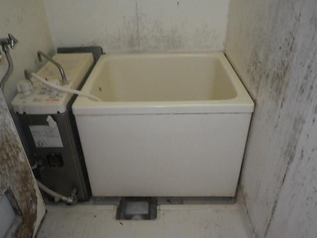 三木市加佐 団地 ハウステック カベピタパックイン 浴槽 取替交換工事施工 GBSQ-612 から WF-806