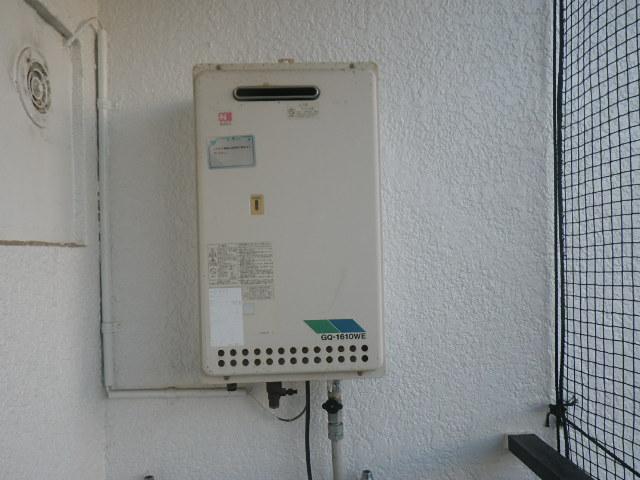 西宮市甲子園マンション ノーリツ16号ガス給湯器 取替交換工事施工 GQ-1610WE から GQ-1639WS-1