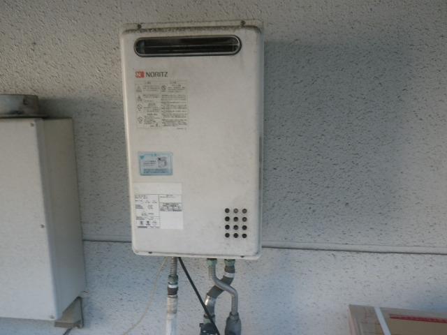 尼崎市潮江 美容室 ノーリツ24号ガス給湯器 取替交換工事施工 GQ-2421WZ-2 から GQ-C2434WZ-C