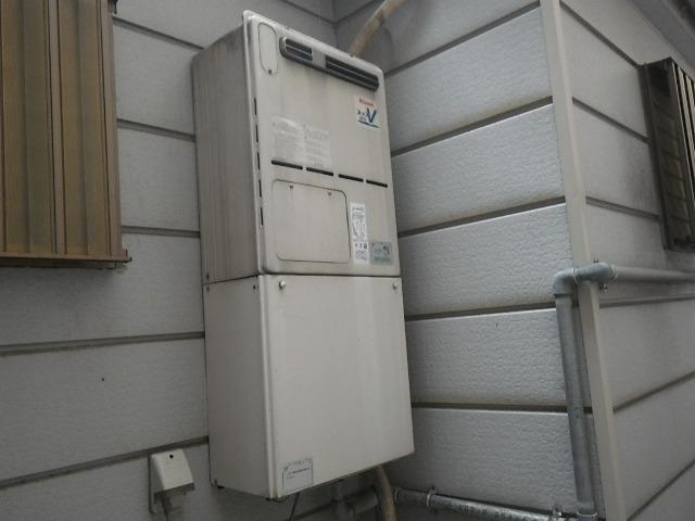 大阪市生野区新今里 戸建住宅 リンナイ20号ガス給湯暖房用熱源機 取替交換工事施工 RUFH-VD2001SAW2-3 から RVD-E2005SAW2-3(A)