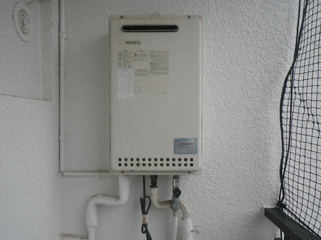 神戸市灘区岩屋中町マンション ノーリツ16号ガス給湯器 取替交換工事施工 GQ-1612WE から GQ-1639WS-1