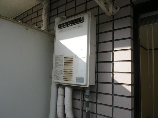 神戸市東灘区住吉東町マンション ノーリツ16号ガス給湯器 取替交換工事施工 日立ハウステックKS-1660LBH から GQ-1639WS-1
