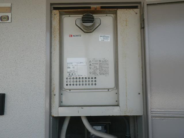 西宮市甲子園浜田町マンション ノーリツ16号ガス給湯器 取替交換工事施工 GQ-1637WS-T から GQ-1639WS-T-1