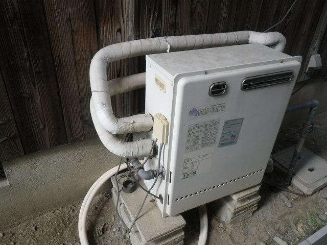 神戸市北区鈴蘭台 戸建住宅 ノーリツ20号ガス給湯器 取替交換工事施工 日立ハウステックKZ-205SA から GT-2060SAWX-2