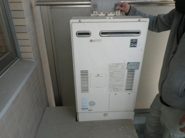 大阪市福島区福島マンション ノーリツ24号ガス温水暖房付給湯器 取替交換工事施工 大阪ガス44-990A から GQH-2443AWXD-DX BL