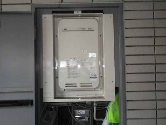 尼崎市久々知マンション ノーリツ16号ガス給湯器 高温水供給式 取替交換工事施工 大阪ガス131-8085A から GQ-1627AWX-TB-DX BL
