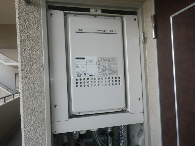大阪市住吉区長居西マンション ノーリツ16号ガス給湯器 高温水供給型 取替交換工事施工 大阪ガス131-H815 YV1660RM から GQ-1627AWX-TB-DX BL