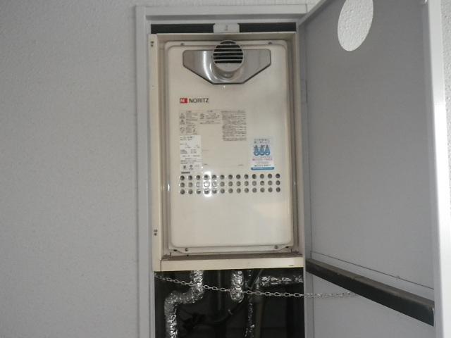 大阪市福島区福島マンション ノーリツ16号ガス給湯器 取替交換工事施工 GQ-1612WE-T から GQ-1639WS-T-1