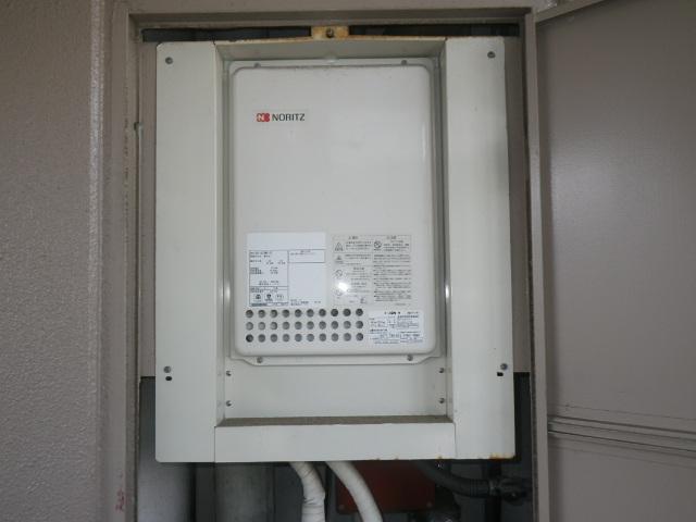 西宮市小松西町マンション ノーリツ16号ガス給湯器 取替交換工事施工 GQ-1623WE-TB から GQ-1639WS-TB-1