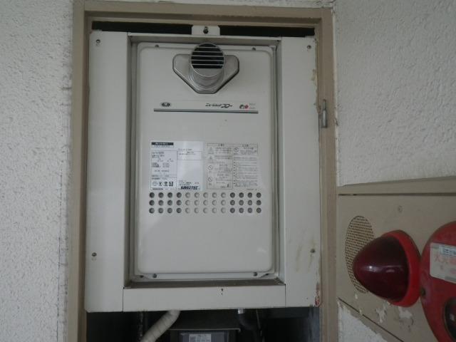 神戸市東灘区魚崎北町マンション ノーリツ16号ガス給湯器 高温水供給式 取替交換工事施工 大阪ガス131-H812 から GQ-1626AWX-60T-DX BL