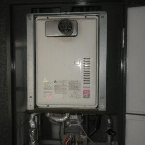 神戸市兵庫区塚本通マンション ノーリツ16号ガス給湯器 取替交換工事施工 リンナイ RUX-1611PSOT-EからGQ-1639WS-T-1