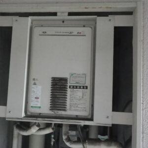 尼崎市西難波町マンション リンナイ16号ガス給湯器 高温水供給式 取替交換工事施工 大阪ガス31-774 YV1604RMC から RUJ-A1610B